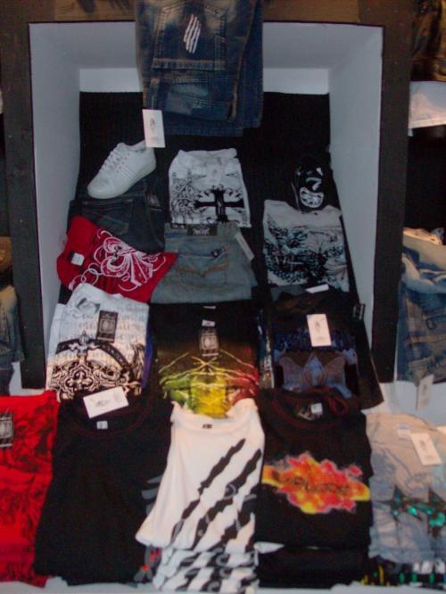 Fotos de Venta mayoreo y menudeo ropa y piel,jeans,playeras,chamarras, etc 1