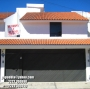 VENDO bonita casa en PUEBLA MX a una calle de Centro Mexicano Libanés