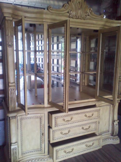 Colocar vajilla y cristaleria en vitrina beautiful cool cheap excellent cheap vitrina rstica - Vitrinas para vajillas ...