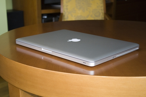Apple macbook pro mc024ll / un portátil de 17 pulgadas