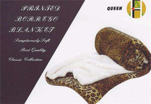 Lindas bolsas de moda por mayoreo llamanos hoy al 909-579-3155