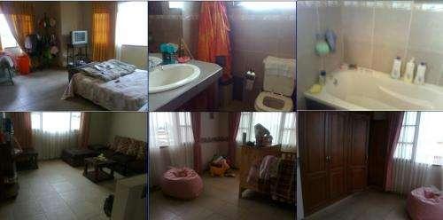 Hermosa casa en venta en chiquicollo cochabamba de tres plantas 150.000 $us