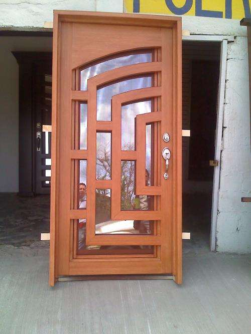 Puerta de forja cheap puerta de forja y ventanales with for Puertas principales de herreria elegantes