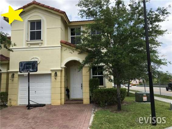 Townhouse-for-sale-in-el-doral