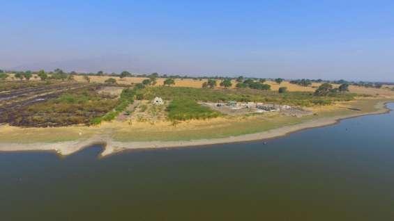 Foto con dron desde el agua