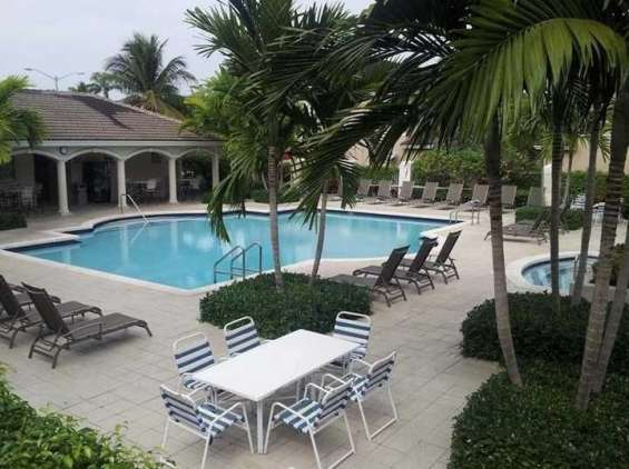 Townhouse-for-rent-in-doral
